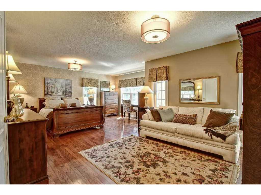 Hst Tax Calculator >> Residential for Sale | 19-4211 Millcroft Park Drive ...